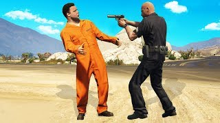Download Pranking Cops Using Fake Prisoner Outfits! (GTA RP) Video