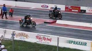 Download Yamaha V Max drag racing a Hayabusa and Yamaha R6 Video