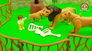 Download Baby Gets Lost At Playmobil City Zoo And Crawls In Animal Cages - Toy Play Video Video