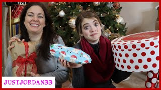 Download What's In My Christmas Present? Indoor Snowball Fight! / JustJordan33 Video