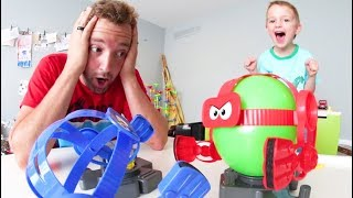 Download Father & Son PLAY BALLOON BOT BATTLE! Video