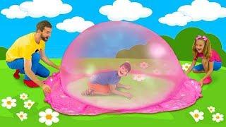 Download Sasha and Max playing with Colorful Slime and make huge Slime Bubble Video