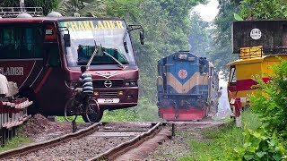 Download Train passing through a busy Rail Crossing/ Gate- Benapole Commuter of Bangladesh Railway Video