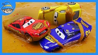 Download Disney Lightning McQueen mud and bubbles. The slime monster playset. Find McQueen in the muddy. Video