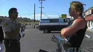 Download Cop pulls over Hell's Angel's Biker Video
