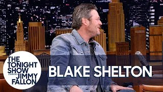 Download Blake Shelton and Kelly Clarkson Made Adam Levine Cry on New Year's Eve Video