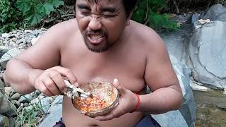 Download Primitive Technology - find frog Fried -Fried frog in the clay eating delicious Video