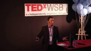 Download Jak ruch zmienia życie | Aureliusz Kosendiak | TEDxWSB Video