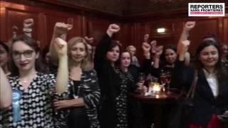Download Women in journalism soutient les journalistes de Cumhuriyet en Turquie Video