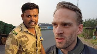 Download Indian Police Caught Me! Motorcycle on Mumbai-Pune Expressway! (Day 5: Vadodara to Pune) Video