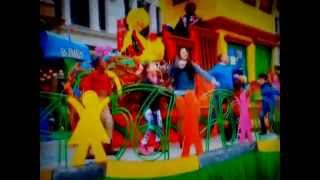 Download Sesame Street - ″Smarter, Stronger, Kinder″ (Macy's Thanksgiving Day Parade 2015) Video