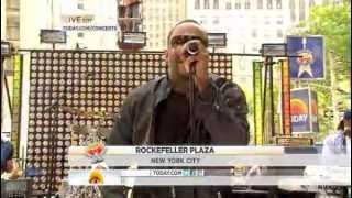 Download Bobby Brown performs ″Every Little Step″ live on Today Show at Rockefeller plaza Video