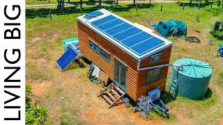 Download Amazing Off-The-Grid Tiny House Has Absolutely Everything! Video