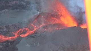 Download La première éruption 2017 du Piton de la Fournaise vue du ciel Video