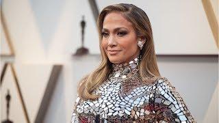 Download Jennifer Lopez nombrada nuevo icono de la moda, repasamos sus mejores looks en imágenes Video