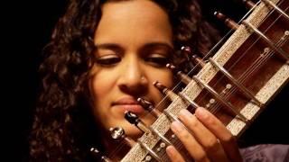 Download Anoushka Shankar plays 'Pancham Se Gara' Video