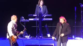 Download ″Feels Like the First Time & Band Intros″ Foreigner(Original Lineup)@Atlantic City 11/30/18 Video