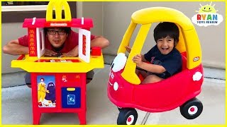 Download Ryan's Drive Thru Pretend Play on Kids Power Wheels Ride on Car with Emma and Kate!!! Video