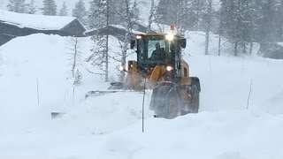 Download Cold Climate Best Practices - Cat® 926M, 930M, 938M Small Wheel Loaders Video