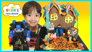 Download Halloween Haunted Chocolate Cookie House Kit Video