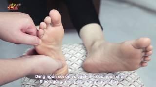 Download Hướng dẫn massage chân chỉ bằng 4 động tác ĐƠN GIẢN, HIỆU QUẢ - Emdep TV Video