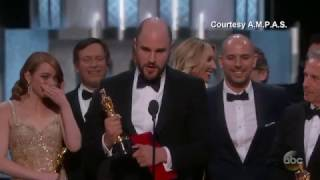 Download 'Moonlight' or 'La La Land'? Best Picture Mix-up at Oscars Video
