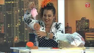 Download Mamona le regala a Cuqui la Mora su primer arbolito de Navidad Video