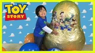 Download GOLDEN GIANT EGG SURPRISE OPENING Disney Toy Story Woody Buzz Lightyear Ryan ToysReview Video