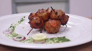Download Surkh Tandoori Aloo | Simple Vegetarian Khana With Chef Saurabh | Sanjeev Kapoor Khazana Video