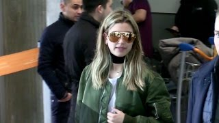 Download EXCLUSIVE: Make up free Hailey baldwin arrives in Paris Video