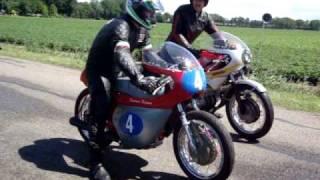 Download CBX 1000 Hailwood Replica racer Gramsbergen classic race 2010 Video