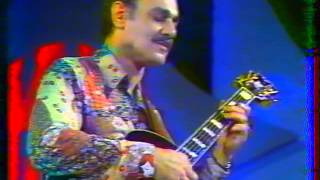 Download Joe Pass & NHOP - Live at Antibes, France 1979 (part2) Video