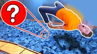 Download WORST HIDE AND SEEK SPOT in TRAMPOLINE PARK vs OBSTACLE COURSE CHALLENGE! Video