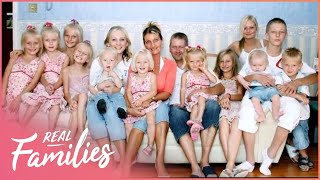 Download Family Of 12 Live Close To The Breadline   Big Families   Real Families Video