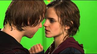 Download Ron and Hermione BTS Kiss / HP Wizards Collection Video
