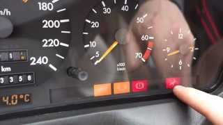 Download How works warning lights in Mercedes Benz dashboard Video