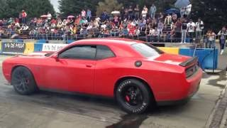 Download Dodge challenger Hellcat Vs Ford Mustang shelby GT500 picas 1/4 de milla Video