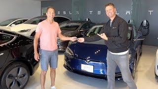 Download Surprising My 100th Referral with a Tesla! Video