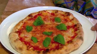 Download Der Pizzaofen für die perfekte Pizza zuhause-Pizza Margherita in 3 Minuten fertig gebacken Video