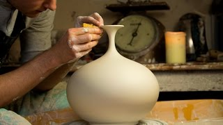 Download Throwing a Round Bellied Vase with Flared Top - Matt Horne Pottery Video