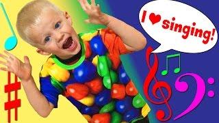 Download AMAZING TODDLER SINGER! Video