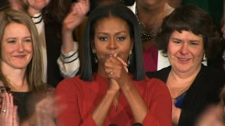 Download Michelle Obama delivers emotional final speech Video