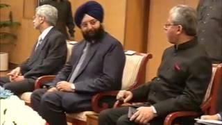 Download Spiritual head of Ismaili Muslims, The Aga Khan, calls upon Indian PM Video