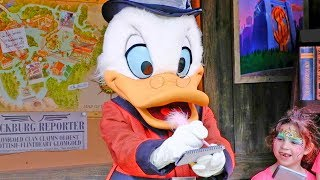Download Scrooge McDuck meet and greet at Donald's Dino-Bash! in Disney's Animal Kingdom Video