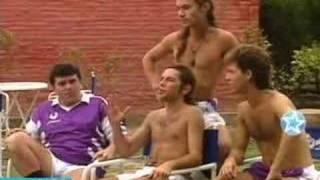Download Diego maradona en la banda del golden rocket jugando al papi (adrian suar) Video