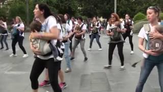 Download DESPACITO MADRES Video