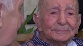 Download Holocaust survivor, 102, meets nephew after thinking all family died in war Video