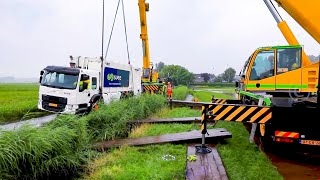 Download BERGING : Vrachtwagen zakt weg in de berm Weesp (Volvo FE) 🚛👷🏻 Video