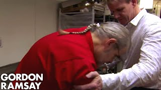 Download Head Chef FAINTS on Gordon! | Hotel Hell Video