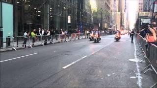 Download UNITED STATES PRESIDENT BARACK OBAMA & HIS MOTORCADE CRUISING THROUGH MIDTOWN, MANHATTAN, NEW YORK. Video